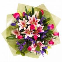 bouquet-de-flores-lirios-rosas