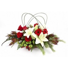 /christmas-centerpiece-red-and-whites