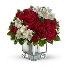 18-rosas-rojas-y-astromelias-blancas-en-jarron